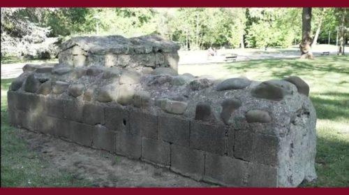 tombe etrusche ai giardini margherita