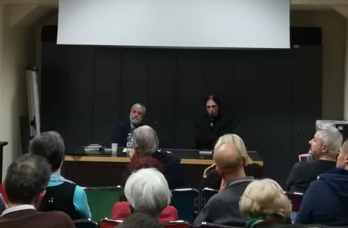 Durante la presentazione libro La morte si fa social